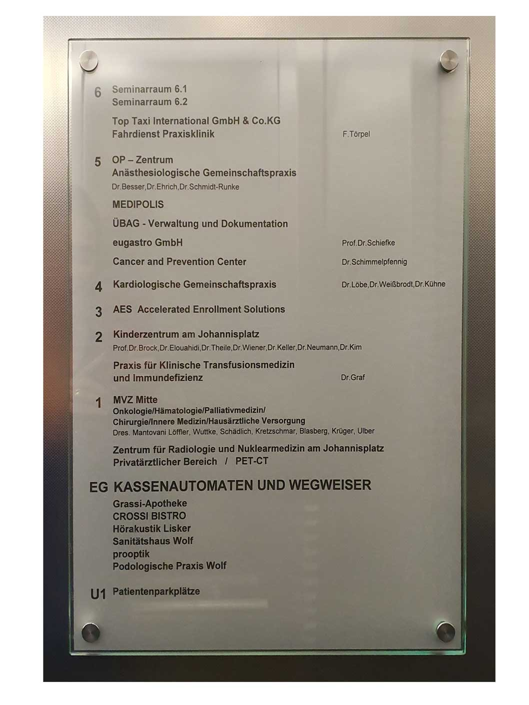 4-Beschreibung-im-Fahrstuhl-1-s-oben